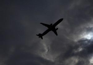 Турбулентность - Над Гонконгом два самолета попали в зону турбулентности, десятки пассажиров получили ранения