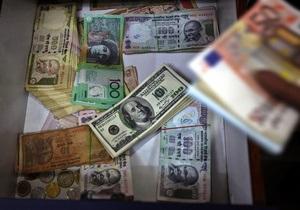 Курс валют: евро входит в крутое пике