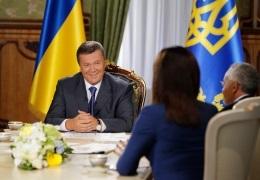 Янукович - интервью - телевидение - Янукович дал интервью украинским телеканалам