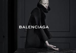 Фотоссесия Balenciaga с 46-летней моделью вызвала ажиотаж