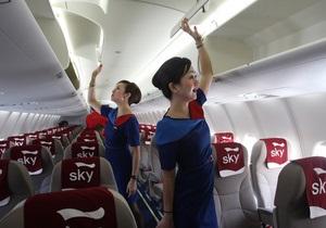 Літаки - пасажири - Стюардеси розповіли про найбільш незвичайні речі, які пасажири забувають у салоні