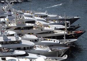 У Криму податківці відібрали яхту у підприємця, який займався проведенням нелегальних прогулянок