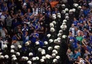 На матче Шальке - ПАОК состоялись столкновения фанатов с полицией