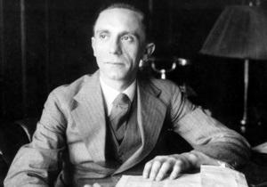 Геббельс - Лимонов виступив проти заборони на продаж книги Геббельса