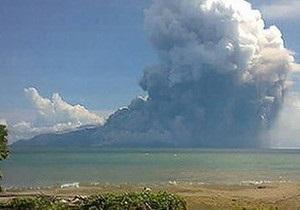 Внаслідок виверження вулкану в Індонезії п ятеро людей загинули