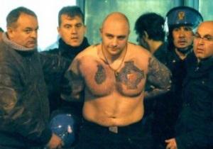 Беспорядки на стадионе Черноморец устроил известный фанат из Сербии - Взгляд