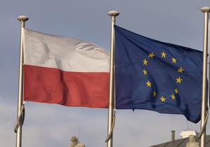 Корреспондент: Економічні негаразди на батьківщині женуть сотні тисяч українців на брудну і важку роботу до Польщі