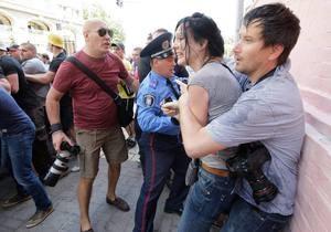 Сніцарчук - Тітушко - мітинг опозиції - Адвокати Сніцарчук і Соделя планують оскаржити постанову про закриття справи про бездіяльність міліції 18 травня