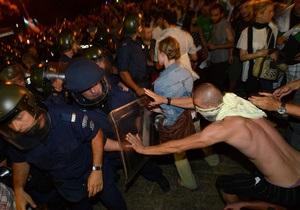 Під час розблокування парламенту Болгарії постраждало 20 осіб, у тому числі троє поліцейських