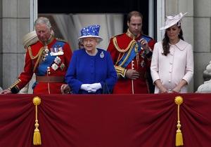Єлизавета II - Королева Британії відреагувала на повідомлення про народження онука