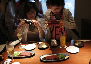 Фотографування їжі - звички - гаджети - психіка