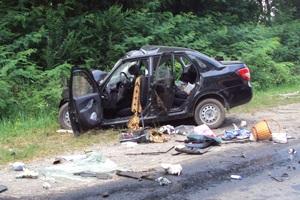 Новини Львівської області - ДТП - ДТП на трасі Київ-Чоп: зіткнулися легковий автомобіль і вантажівка, двоє людей загинули