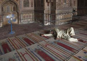 Рамадан - У Катарі госпіталізували десятки людей із загостренням гастриту в перший день Рамадану