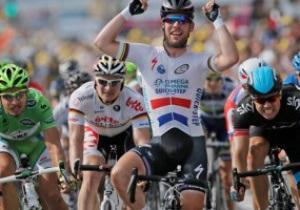 Тур де Франс 2013: Зритель облил мочой и освистал Марка Кавендиша