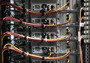 DW: Незахищені кабелі. Як спецслужби викачують нашу інформацію