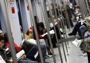 У Німеччині вікна метро будуть розповідати рекламу пасажирам, що сплять