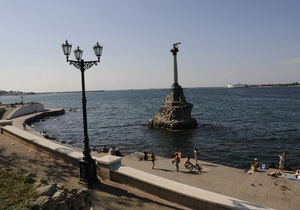 У Ялті розпочався демонтаж парканів для забезпечення вільного доступу на пляжі