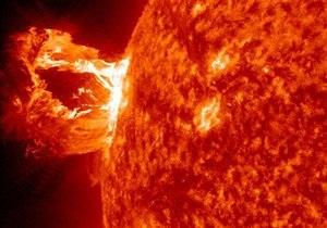 Новини науки - магнітні бурі - Викид з корональної діри на Сонці спровокував магнітну бурю