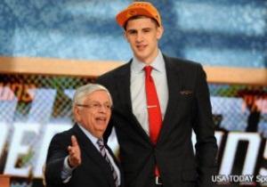 NBA. Украинский баскетболист выбран под рекордным номером драфта