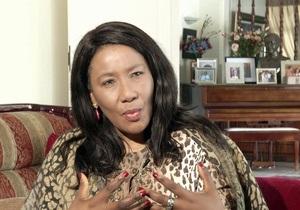Донька Мандели назвала журналістів «стерв'ятниками»