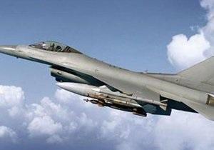 У США розбився винищувач F-16