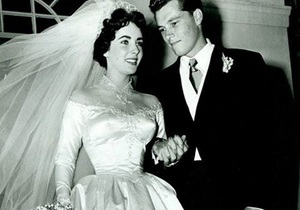 Елізабет Тейлор - весільна сукня - аукціон