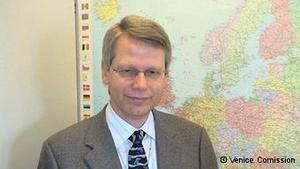 Секретар Венеціанської комісії: Закон про референдум може загрожувати стабільності України