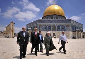 Прем єр Палестини після зустрічі з Аббасом передумав йти у відставку