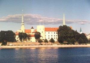 Новини Латвії - пожежа в Ризі - пожежі, що охопила президентський палац у Ризі, привласнили вищу ступінь складності
