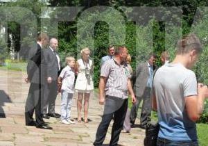 Син Лукашенка відправився на екскурсію по Києву