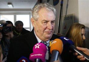 Новини Чехії - Президент Чехії вважає, що уряд Нечаса має піти у відставку після скандалу з обшуками й арештами