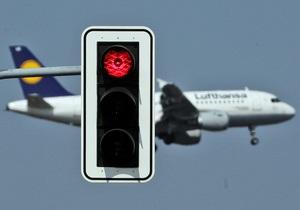 Французский авиаколлапс: каждый второй рейс в стране под угрозой из-за забастовок работников