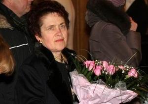 Матіос - Людмила Янукович - Людмила Янукович розплакалася після вистави про УПА в Донецьку - Матіос
