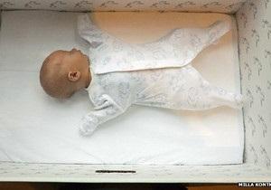 ВВС: Чому фінські малюки сплять у коробках. Досвід Фінляндії у допомозі майбутнім матерям