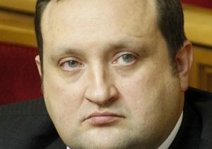 Арбузов настійно рекомендує Раді повернутися до резонансного законопроекту про векселі