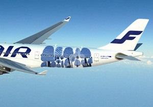 Фінський авіаперевізник перефарбує свій лайнер через подібність до української картини