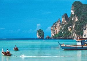 У Таїланді затонув корабель із сотнею туристів
