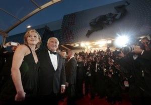 Каннський кінофестиваль - Домінік Стросс-Кан - Домінік Стросс-Кан приїхав на Каннський кінофестиваль зі своєю 43-річною подругою