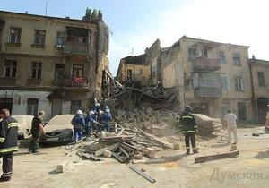 Фотогалерея: В Одесі обвалився будинок. Перші кадри з місця події