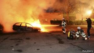 У Стокгольмі тривають сутички молоді та поліції