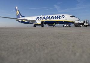 Лоукост - авіакомпанії - Ryanair - Колишня стюардеса розповіла про  жахливу  роботу в найбільшому європейському лоукості