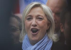 Лідер французького Нацфронта зламала хребет