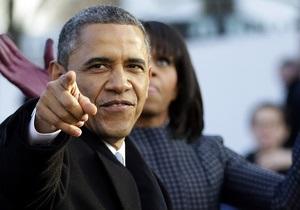 Барак Обама - Обаму звинуватили в тому, що він витрачає на гольф більше часу, ніж на розробку антикризових заходів