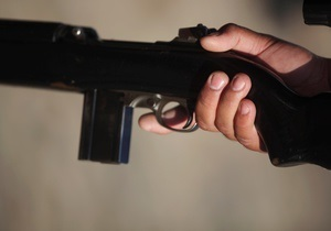 Новини Донбасу - У Донецькій області двоє озброєних підлітків пограбували магазин