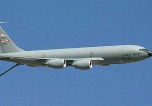 На прохання американської сторони рятувальники призупинили пошуки літака, що розбився в Киргизстані