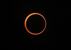 Затемнення - На Землі можна спостерігати сонячне затемнення