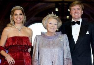 Королева Нідерландів зрікається престолу