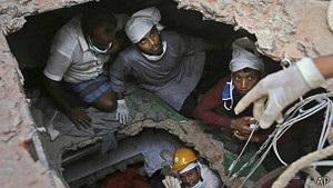 Надії врятувати ще когось на фабриці в Бангладеш майже немає