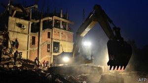 У Бангладеш заарештували власників фабрики, яка завалилася