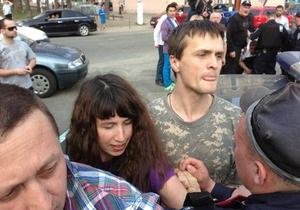 Під час акції проти вирубки дерев у Києві затримали активістів. Міліція інформацію заперечує